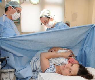 De câte ori poate fi făcută operaţia cezariană?