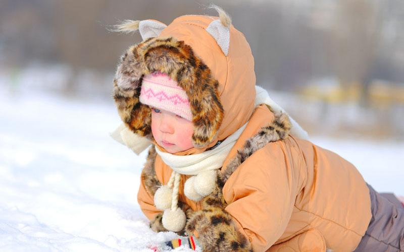 3 dusmani ai sanatatii copilasului pe timp de iarna