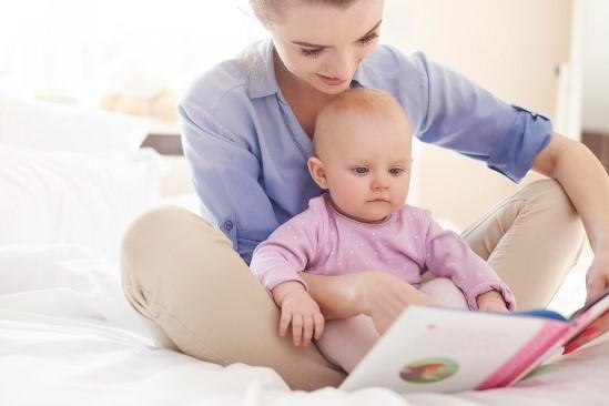 Cititul ajută foarte mult bebelușii. Află cum!