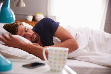 Insuficiența orelor de somn la bărbați  poate afecta fertilitatea