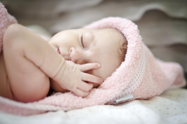 Rutina orelor de somn pentru un bebeluș fericit