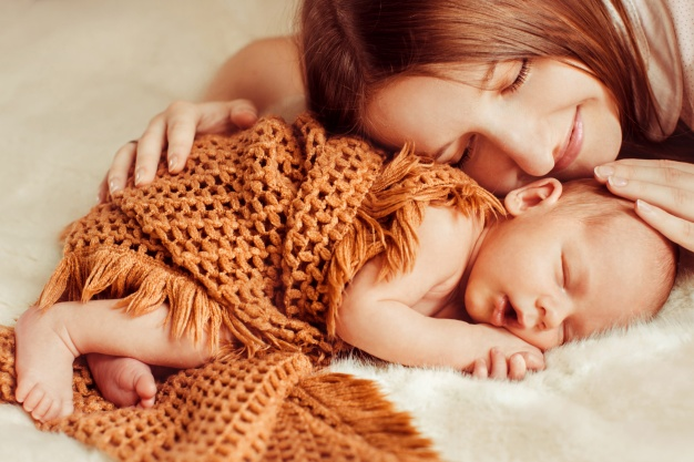 5 Remedii pentru Depresia postpartum