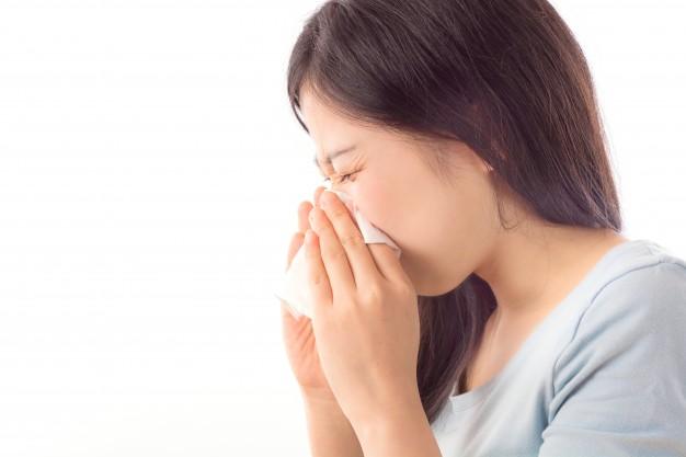 5 Remedii Naturiste de Tratare a Tusei în Timpul Sarcinii