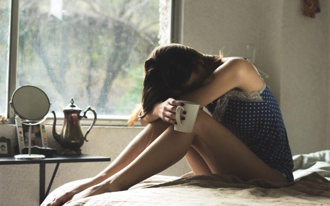 Ai scurgeri gălbui în sarcină? Află TOTUL despre ele
