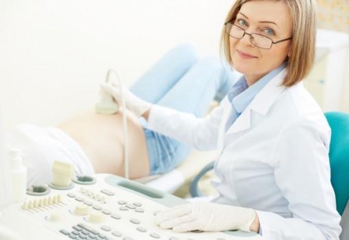 Află TOTUL despre primul control ginecologic în timpul sarcinii