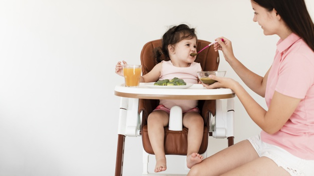 Intarcatul: TOP 5 metode care sa te ajute sa faci intarcarea copilului mai ușoară