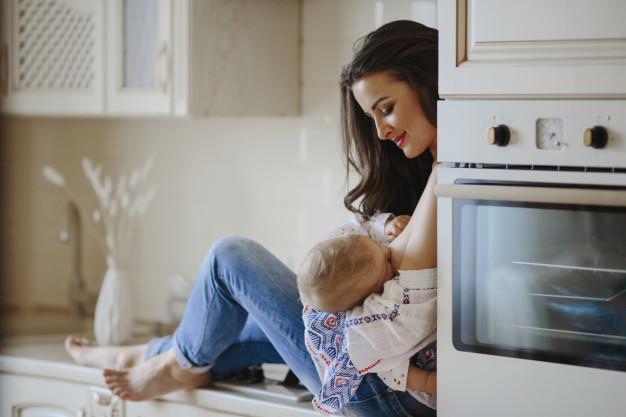Stimularea lactatiei: Sfaturi utile care sa te ajute in stimularea lactatiei