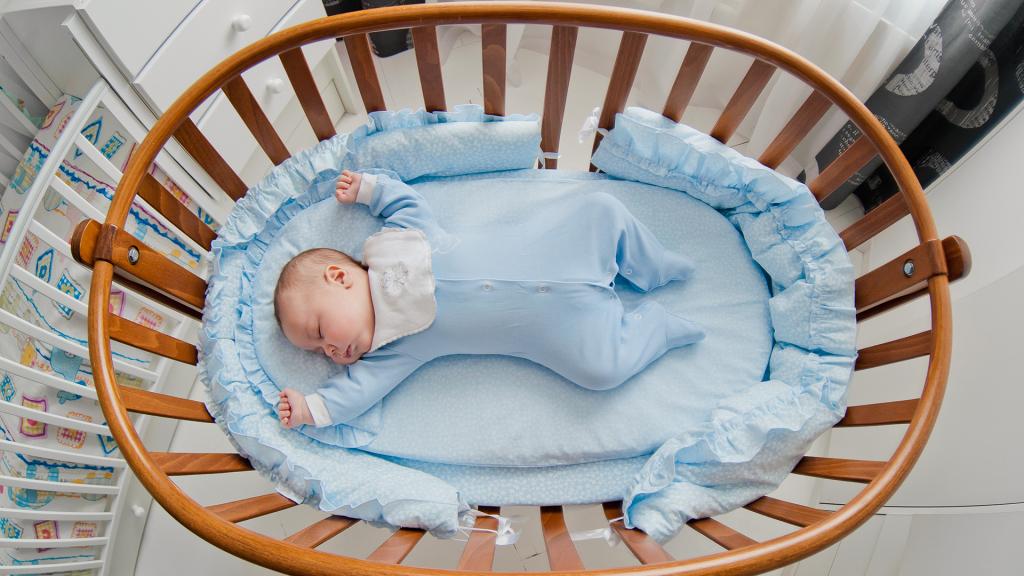 cat ar trebui sa doarma un nou nascut